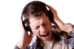 Как громко можно слушать музыку