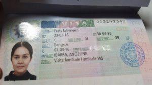 Можно ли с шенгенской визой поехать в швейцарию
