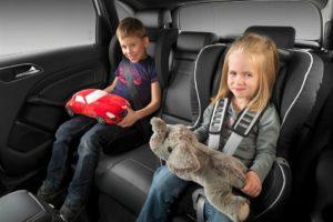 Как нужно перевозить детей на авто