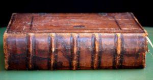Как определить цену антикварной книги