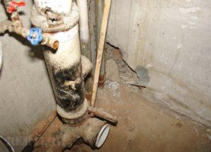 Кому принадлежит канализационная труба в квартире