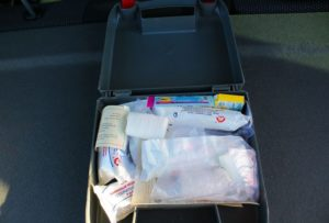 Зачем нужна аптечка в машине
