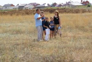 Насколько реально получить землю многодетной семье в спб