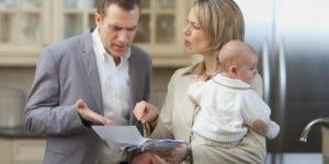 Отец не отдает ребенка матери